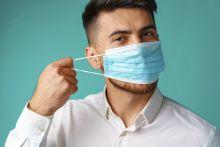 Consejos para cuidar tu voz si trabajas con mascarilla