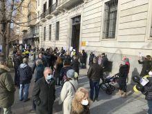 Los trabajadores interinos inician las movilizaciones en Cantabria